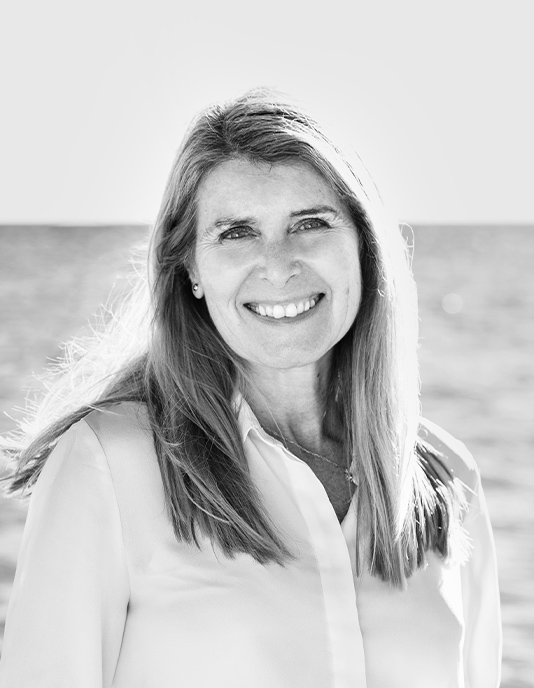 Meet Ana Tarazona from our team of experienced, dedicated real estate professionals in Marbella, Spain